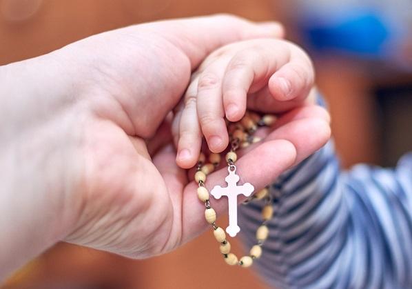 Maggio mese del Rosario: ci affidiamo alla Vergine Maria